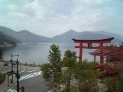 中禅寺湖の赤鳥居